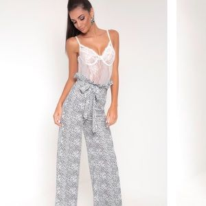 Pants - ONE HOUR SALE BLACK AND WHITE PAPERBAG PANTS